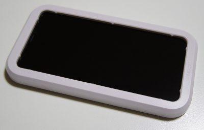 Spigen iPhone 11/XR ガラスフィルム